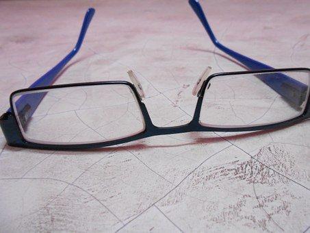 skydda ögon med glasögon